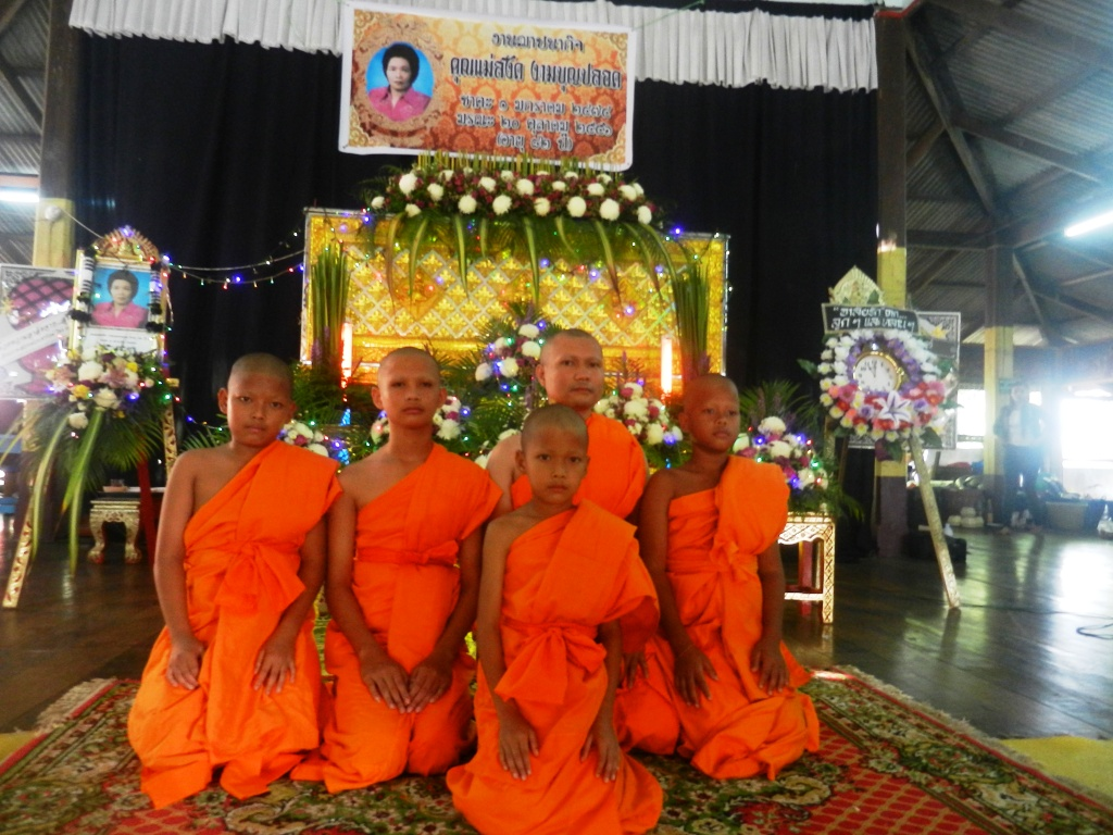 Culture what happens at a thai funeral and what should you do if fung izmirmasajfo
